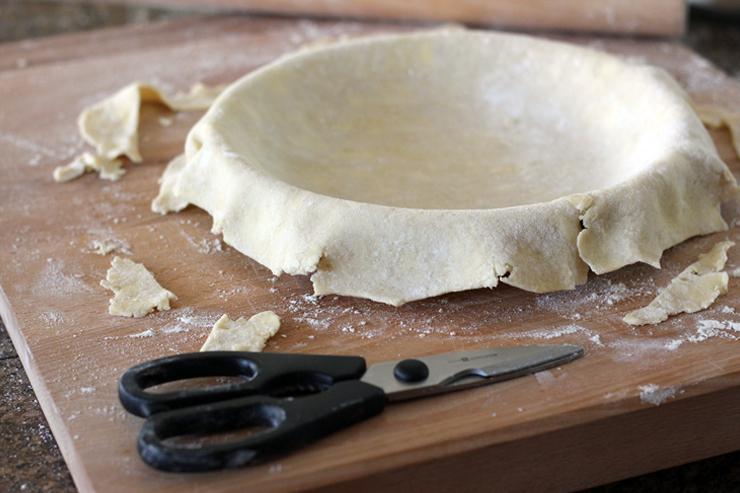 Trim Pie Dough