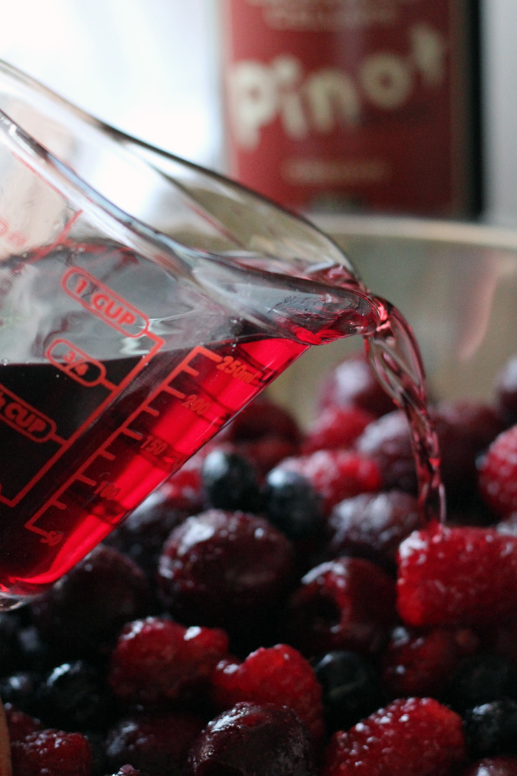 Cherry Berry Pinot Pie Wine Pour