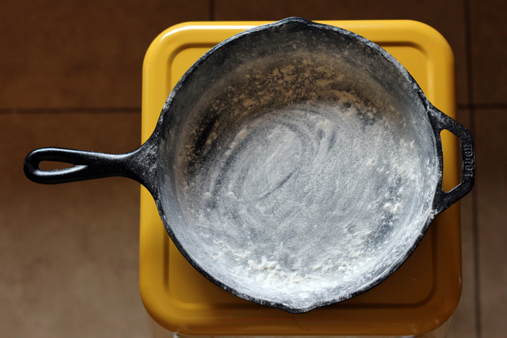 Plum Buckle Powdered Skillet