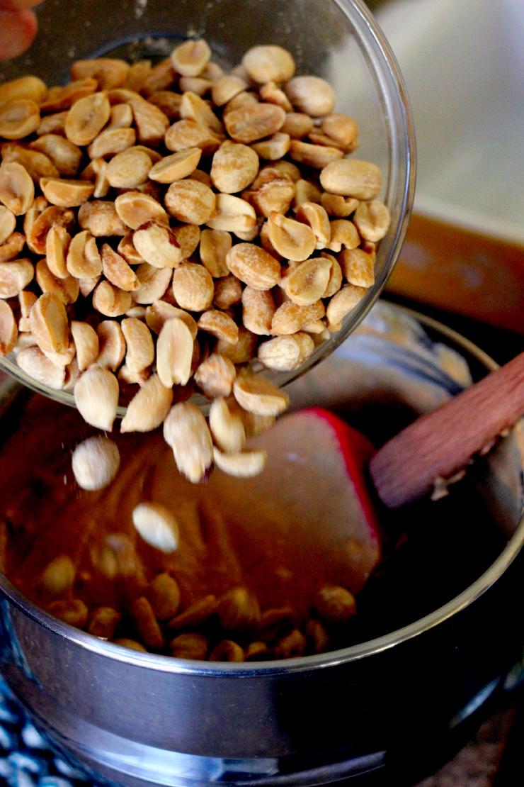 Haystacks Peanuts