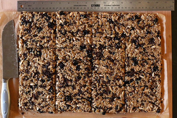 granola bars cut