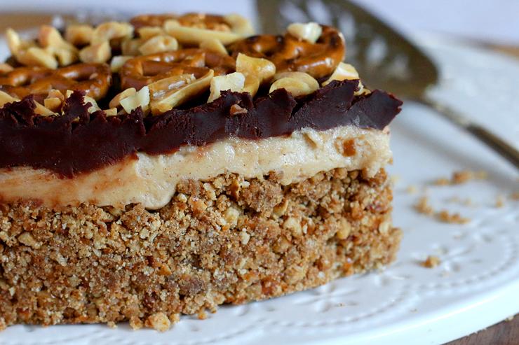 Peanut Butter Pretzel Pie Layers