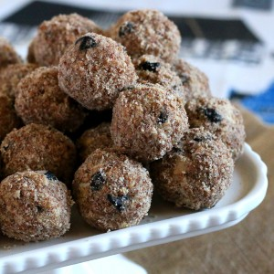 Blueberry Almond Energy Balls Recipe