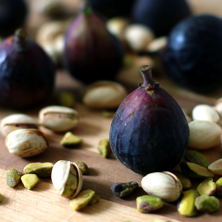 Figs and Pistachios for Fig Mascarpone Tart with Pistachio Black Pepper Crust