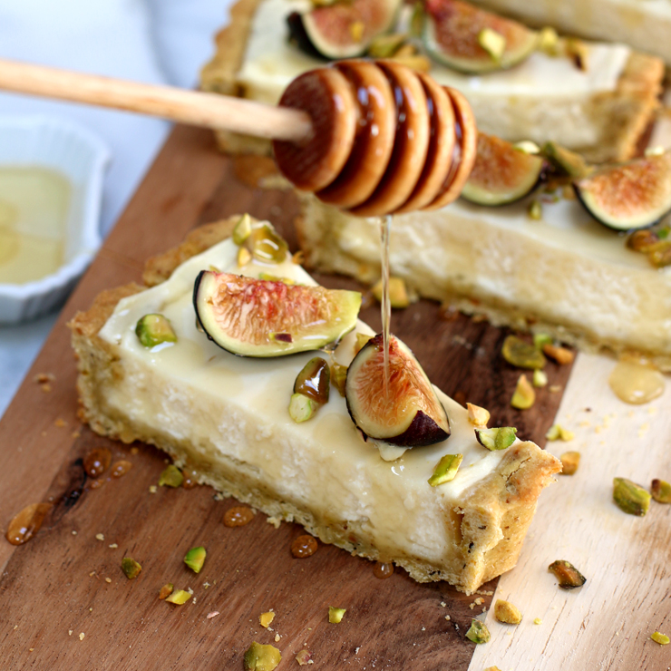 Fig Mascarpone Tart with Pistachio Black Pepper Crust - honey drizzle