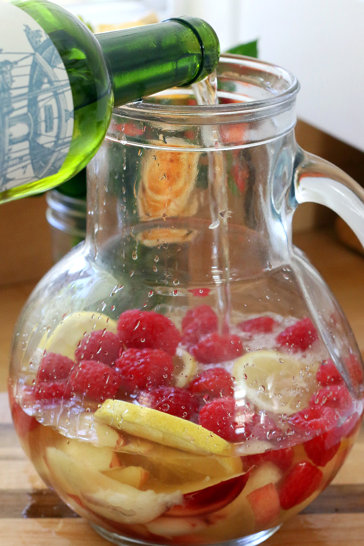 add wine to sangria