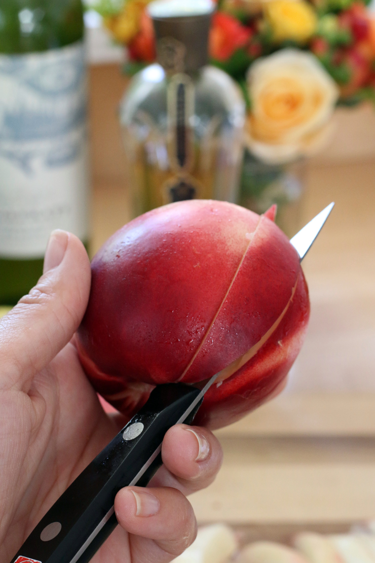 slicing nectarines