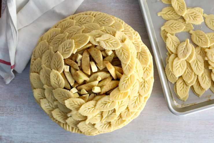 Apple Cheddar Pie crust design