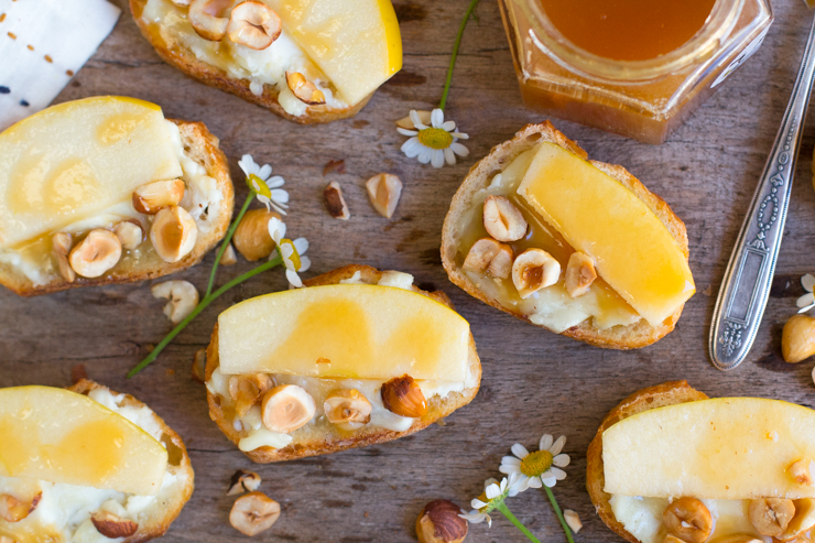 Goat Cheese, Apple, Hazelnut and Cajeta Crostini recipe