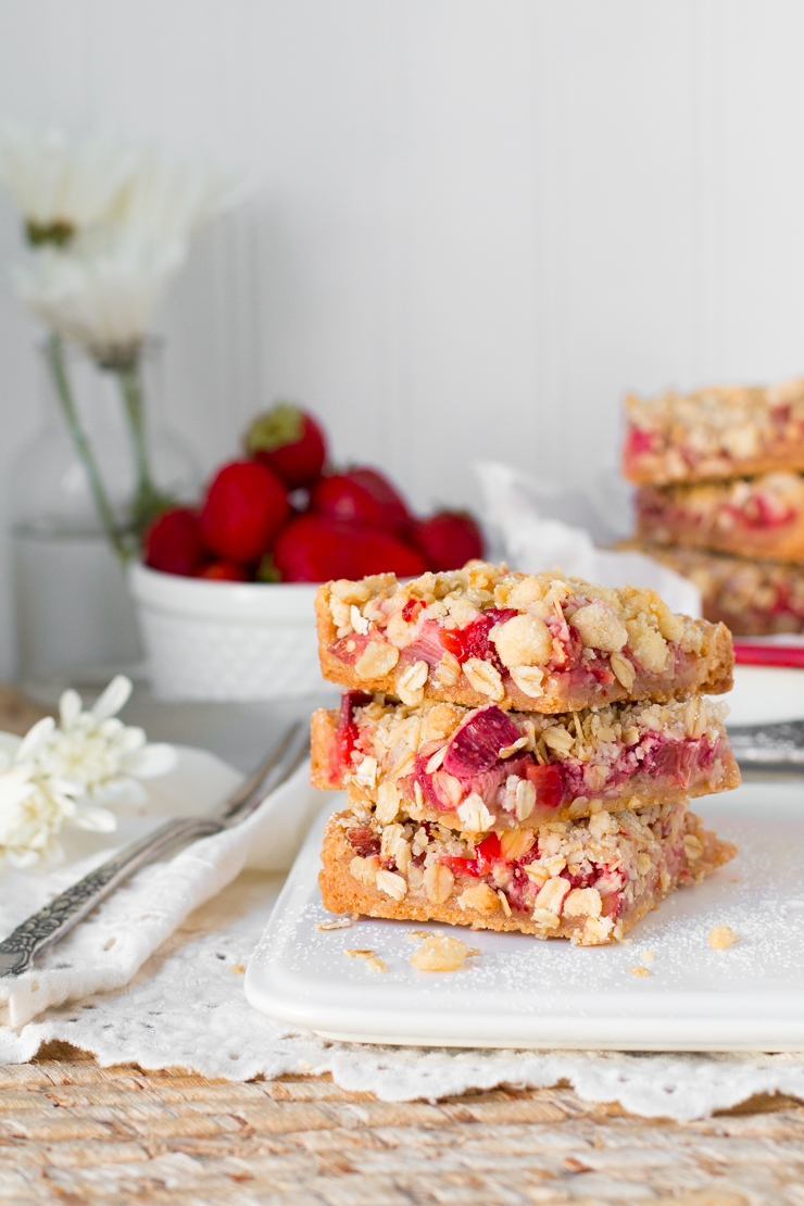 Strawberry Rhubarb & Ginger Crumble Bars - Baking the Goods