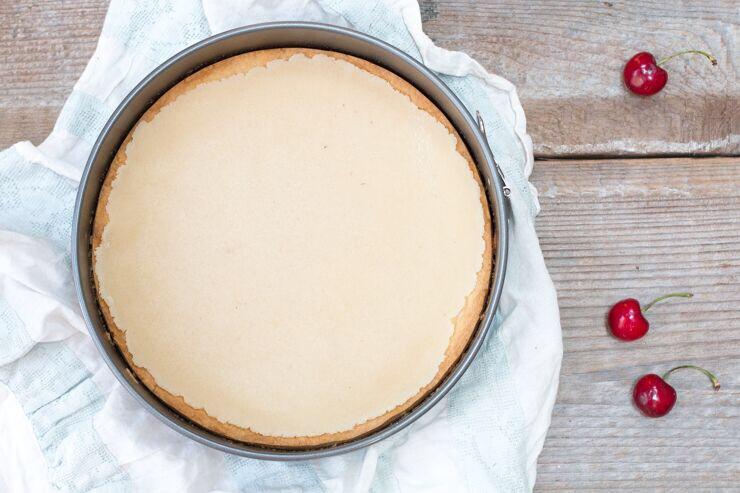 almond cream layer