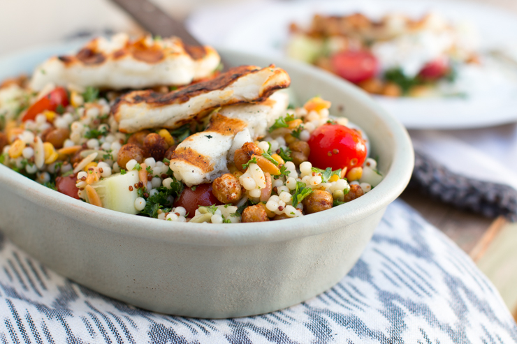 Mediterranean Grain Salad with Grilled Halloumi. Looks like chicken ...