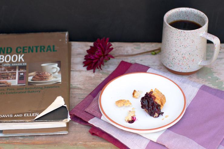 Huckleberry Jammer bite, Grand Central Baking Book and Mazama mug