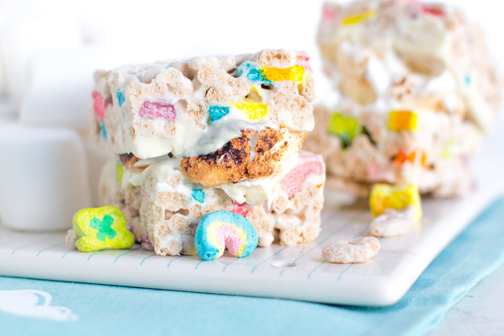 Lucky Charms Treat S'mores