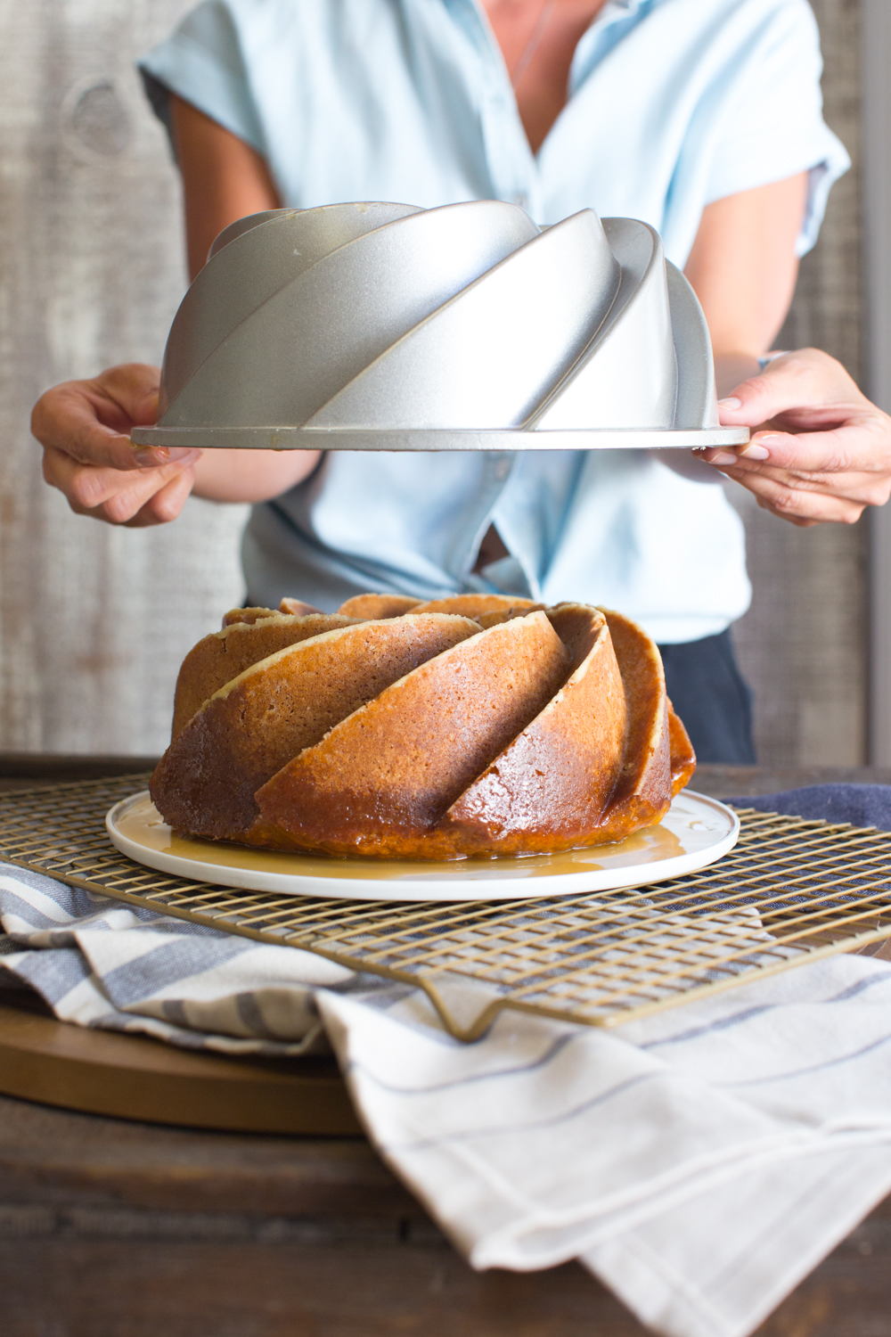 Pop that top to reveal a magically formed beautiful bundt.