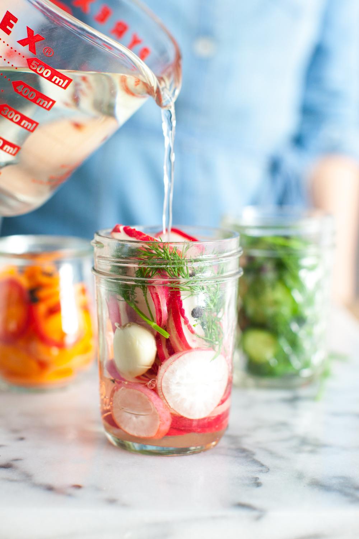 Quick pickling veggies