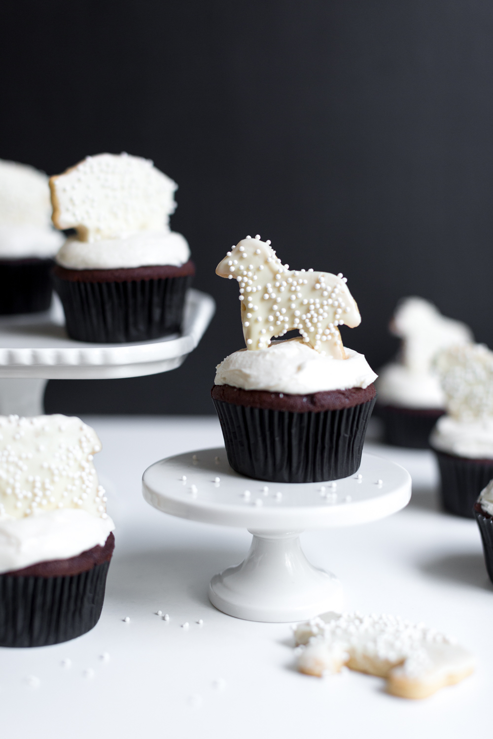 These Black and White Animal Cookie Cupcakes are just darling.