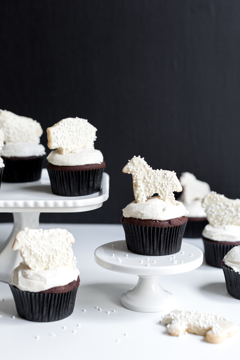 Gangs all here. These Black and White Animal Cookie Cupcakes are almost too dang cute to eat.