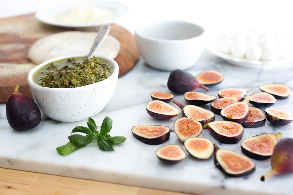 Fig & Pistachio Pesto Pizza toppings