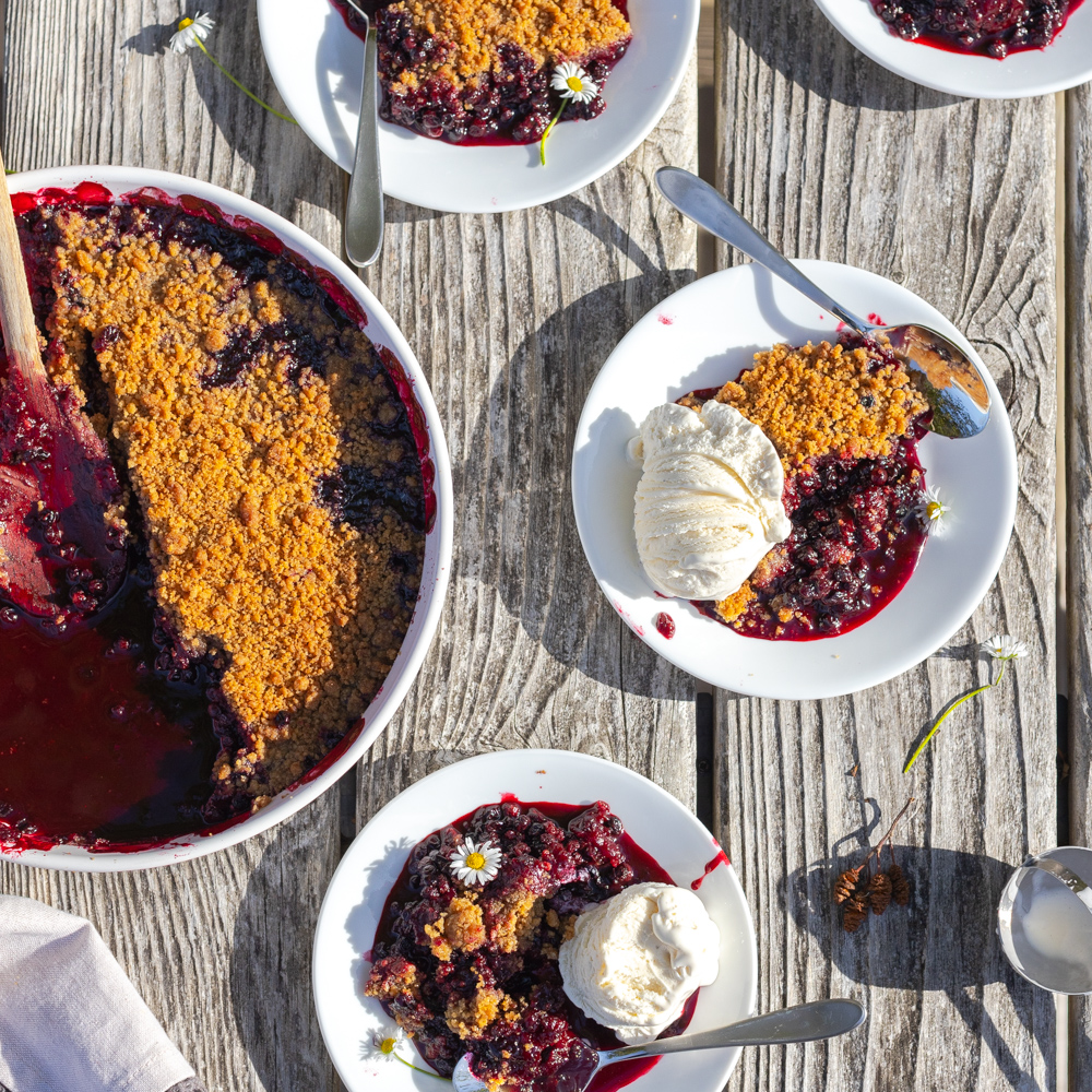 Huckleberry Crumble by Baking The Goods